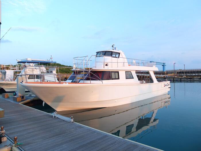 カラカラ先生ダイビング専用船「「コーラルビーンラ先生のダイビングスクール専用船「「コーラルビーン」